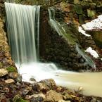 """michalrebilas """"wodospadaj.."""" (2004-02-05 21:25:24) komentarzy: 39, ostatni: woda jak puszek... kamienie ostre i śliskie = P I Ę K N E"""