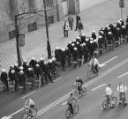"""Marysia """"rowerzyści i statyści"""" (2004-05-15 19:26:07) komentarzy: 15, ostatni: fajny kadr tak ukośnie"""