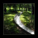 """DELF """"sankodrom"""" (2004-06-19 11:20:11) komentarzy: 26, ostatni: bardzo mi sie podoba. jak wielki metaliczny waż w ogrodzie rajskim czy jak. ta fotka cos opowiada!"""
