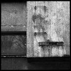 """kiwer """".bunker."""" (2004-09-17 10:58:43) komentarzy: 25, ostatni: ładne kontrasty, świetne połączenie odbić w szkle z masą ściany. Chyba troche przeostrzone..."""