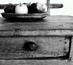 """borQT """"jabłka i stół"""" (2004-10-11 11:47:52) komentarzy: 10, ostatni: misie wydaje że za dużo stołu /choć tesz fajnie wyszedł/ ogólnie na tak"""