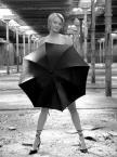 """tryksa """"z parasolem"""" (2004-10-24 21:19:48) komentarzy: 16, ostatni: z pomysłem!"""