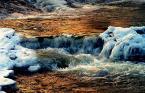 """Artrosis """"...zimowy wodospad..."""" (2005-02-14 18:02:14) komentarzy: 19, ostatni: A mi się podoba z tą """"jakością"""" :-). Szkoda tylko, że szum nie jest monochromatyczny. Bardzo ładne kolory"""