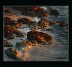 """Wołodytjowski """"Skalista plaża o świcie"""" (2005-03-07 22:43:04) komentarzy: 27, ostatni: ładnie wyławisz temat do zdjęcia ; ) Bardzo dobry kadr i światłocienie"""