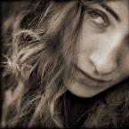 """drax """"krysia myśli o lecie"""" (2005-04-18 11:33:14) komentarzy: 75, ostatni: piękne większość twych portretów :)"""