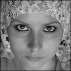 """Zazula """"Korale..."""" (2005-08-21 23:19:14) komentarzy: 14, ostatni: Trafka: wlasnie wrocilam z wakacji ze slicznym szaliczkiem wiem moze wykorzystam taki pomysl ale to za jakis czas. Bo tutaj ludzie maja pewnie juz dosc moich autoportretow :)"""