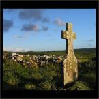 """lamerka """"Tylko w polu biały krzyż nie pamieta już kto pod nim śpi..."""" (2005-11-26 15:46:25) komentarzy: 56, ostatni: byłem, widziałem. Miejsce bardzo urokliwe, zwlaszcza ruiny koscioła."""