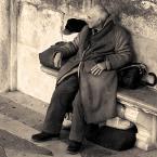 """sandiego """"chwila na odpoczynek"""" (2006-01-07 14:08:02) komentarzy: 22, ostatni: tego pana też mam na zdjęciu:) i siedział w ten sam sposób.ale twoje jest duuużo lepsze.pozdrawiam"""