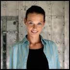 """DZID """"..."""" (2006-01-25 19:41:29) komentarzy: 65, ostatni: modelka podobna do """" agentki o stu twarzach """" , kapitalne oświetlenie"""