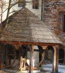 """dyzio1 """"studnia w Tyńcu"""" (2006-03-25 21:09:34) komentarzy: 2, ostatni: od dolu byl balagan bo tam jest wieczny remont, siła wyższa..."""