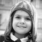 """I_gnac """""""" (2006-06-07 22:38:41) komentarzy: 20, ostatni: a chłopiec to czy dziewczynka>? ale portrecik bez wzgledu na to i tak jak malinka!! oo a to co za rymowanka!:D"""