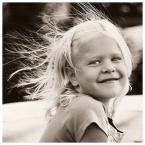 """MonikaMM """"wlosy deba staja"""" (2006-09-14 18:49:52) komentarzy: 20, ostatni: świetny naturalny, radosny, dynamiczny portret :)"""