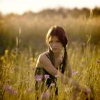 """LeszeK """""""" (2006-09-24 21:57:02) komentarzy: 68, ostatni: kwiat w jej włosach - rewelacja zdjęcie"""