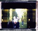 """lena-h """""""" (2006-10-20 11:25:53) komentarzy: 31, ostatni: kubrickowskie? moze przez maski i zalozenie parkowe. ale w kolorku i kadrze juz niekoniecznie."""