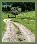 """irmi """"dom na uboczu"""" (2006-10-28 17:51:34) komentarzy: 5, ostatni: no pewnie , stara chata otoczona płotem byłaby bardziej na miejscu ;-)"""