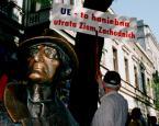 """DiogenesPies """"Łódź - Pozdrowienia z Łodzi"""" (2006-11-02 21:07:31) komentarzy: 121, ostatni: paprykarz... hm.. danwo nie jadłam:P ue to samo zuoo"""