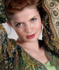 """cezariusz """""""" (2006-11-28 16:21:43) komentarzy: 5, ostatni: bardzo ładny portret, zwlaszcza na PE swietnie wyglada, a bluzka modelki wraz z rękawami tworzą fajną ramę :-)"""