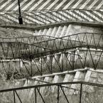"""R o c h o """"."""" (2007-01-22 18:49:42) komentarzy: 36, ostatni: Fajne foto. Choć te schody to potrafiła być niezła Golgota dla mnie, zwłaszcza po giełdzie w upalny dzień. Nie wyobrażam sobie tułać się jeszcze po tych schodach """"po kilku głębszych""""."""