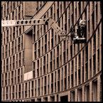 """malisz """"ludzki gramofon"""" (2007-02-20 16:49:31) komentarzy: 145, ostatni: właśnie, ciekawe co gra.../// kompozycja przednia!"""
