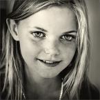 """MonikaMM """"dziewczynka z perelkami"""" (2007-03-11 21:15:30) komentarzy: 50, ostatni: świetny portret"""