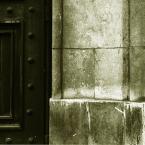"""Nickita """"cisza zaklęta w murach"""" (2007-04-08 18:43:45) komentarzy: 2, ostatni: lubię takie geometryczne, proste kadry"""