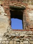 """M_o_n_i_k_a """".: Okno do nieba - Zamek Siewierski :."""" (2007-05-06 23:00:11) komentarzy: 6, ostatni: :-)"""