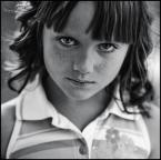 """MonikaMM """"Lulka"""" (2007-09-19 22:55:17) komentarzy: 27, ostatni: Fajnie jej się czai uśmiech w kąciku ust."""