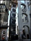 """Cigana """"Elevador de Santa Justa"""" (2007-10-09 17:16:22) komentarzy: 2, ostatni: trudna do sfocenia ta winda, prawda? ciąłbym niżej chyba..."""