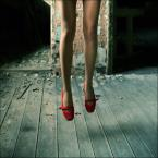 "Laluna Bel ""the red shoes"" (2007-10-24 12:07:01) komentarzy: 230, ostatni: bardzo bardzo. faje foto."