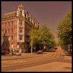 """malisz """"jeszcze jedna pomaranczowa uliczka z budynkiem"""" (2006-07-17 15:09:53) komentarzy: 69, ostatni: dzieki, pozdrawiam serdecznie."""
