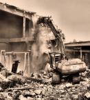 """Rzok Piotr """"ostre walenie na KLEOFASIE"""" (2006-09-10 21:37:01) komentarzy: 11, ostatni: Bardzo dobry kadr - pył i gruz spadający oraz sama maszyna wyburzająca w takiej konfiguracji czynią to zdjęcie niesamowitym :)"""