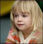 """kiki123 """""""" (2007-12-20 21:47:50) komentarzy: 7, ostatni: Piękna mała modelka,zachwycaja mnie wciąż Twoje portrety..."""