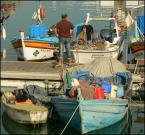 """HOJA 104 """"rybacy po pracy"""" (2008-01-01 18:37:33) komentarzy: 19, ostatni: Portowy klimat fajnie oddany..."""