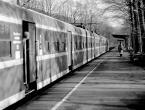 """karoten """"odjazd peronu z toru drugiego ..."""" (2008-03-12 23:37:17) komentarzy: 4, ostatni: ciekawe"""