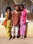 """Maciek Froński """"Dziewczynki z Bidżapuru"""" (2008-04-15 15:41:48) komentarzy: 5, ostatni: fajne ujęcie  sympatycznych dziewczynek:)"""