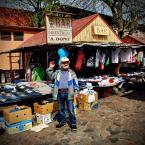 """ojosdebrujo """"Mietek, król wietnamskich dżinsów i chińskich skarpetek"""" (2008-05-11 21:46:39) komentarzy: 38, ostatni: sprzedawca Mnietek czyli bazarowy sprzedawca taniego SHIT"""