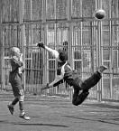 """sandiego """"latające piłkarzyki"""" (2008-05-25 19:28:44) komentarzy: 29, ostatni: :)"""