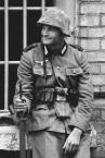 """SławeK WaW """"Zołnierz"""" (2008-05-26 20:51:33) komentarzy: 3, ostatni: strasznie radosny ten żołnierz :D"""