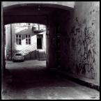 """iqa """""""" (2008-07-10 19:37:09) komentarzy: 4, ostatni: lubię takie zdjęcia podwórek z perspektywy bram - dobrze wyszło"""