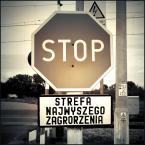 """MartaW """"ostatnie ostszerzenie"""" (2008-08-16 11:30:07) komentarzy: 67, ostatni: Aktualizacja: przejazd istnieje, znak stopu takoż, ale przecudna tabliczka przepadła :("""
