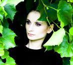 """freezer """"porcelana..."""" (2008-09-18 11:01:01) komentarzy: 6, ostatni: Piękna Audrey Hepburn ,Twoja modelka mi ją przypomina filigranowa postać ---->http://thehivedublin.files.wordpress.com/2009/06/audrey-hepburn.jpg---- o zdjęciu mocny kontrast + bardzo ciemny sweter stworzyły obraz ,który ujmuje w minimalnym..."""