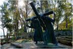 """Wiesiek68 """"Droga"""" (2008-09-18 16:28:12) komentarzy: 4, ostatni: Może troszkę ciemniej i sama rzeźba w półkonturze? Miejsce warte powrotu, bardzo wymowne..."""