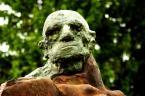 """Tomasz P. Dunabe """"Kamienna czy żelazna twarz?"""" (2008-09-27 17:13:06) komentarzy: 3, ostatni: popieram Derian, czacha przepalona i  jasne bliki w tle odwracają uwagę od modela..może lekko doświetlić z przodu blendą..pomniki są świetnymi modelami ale nie łatwymi pozdrawiam"""