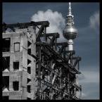 """KARO(lina) """"Berlin - ruiny Palast der Republik & Fernsehturm"""" (2008-09-28 13:36:21) komentarzy: 3, ostatni: faktycznie ciekawe połączenie"""