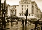 """Kriss@Art """"Londyn..."""" (2008-10-23 20:09:53) komentarzy: 3, ostatni: Ojej, i po co do Afryki jezdzic, skoro w sercu Londynu takie widoczki. Wyglada to jak krajobraz po wojnie. W kazdym razie - fajne."""