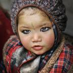 """amilo """"Durga"""" (2008-11-19 03:12:55) komentarzy: 20, ostatni: Pierwszy raz mam tak, ze chcialoby sie zjesc to zdjecie z ta twarzyczka. Rzeczywiscie jak laleczka :) I swietny fokus :) pozdrawiam"""