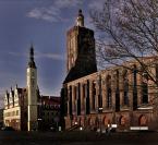 """Andrzej Klauza """"Ratusz i ruiny kościoła farnego"""" (2008-11-26 22:41:45) komentarzy: 0, ostatni:"""