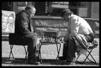"""sakahet """"Szachiści"""" (2009-01-04 20:36:49) komentarzy: 15, ostatni: We Lwowie jest podobnie. Na glownym deptaku zbieraja sie ludzie (najczesciej mezczyzni po 50tce i graja w szchy, warcaby, itp. Mam jakies foty u siebie jakby ktos byl zainteresowany."""