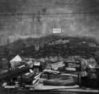 """h h a n a """"Tymczasowe miejsce zbiórki odpadów"""" (2009-02-05 00:33:00) komentarzy: 27, ostatni: tak, można powiedzieć """"piękny bajzel"""":)"""