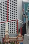 """paws """""""" (2009-03-26 12:41:12) komentarzy: 1, ostatni: I to też; wygląda aż nienaturalnie- kościół jak zabawka, makieta przy tym betonowym gigancie."""